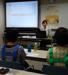 次の時間では管理栄養士の清木より、食事を中心とした健康指導などを学びました